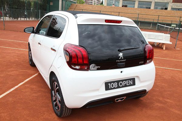 Peugeot 108 Open - PUNTA TACÓN TV