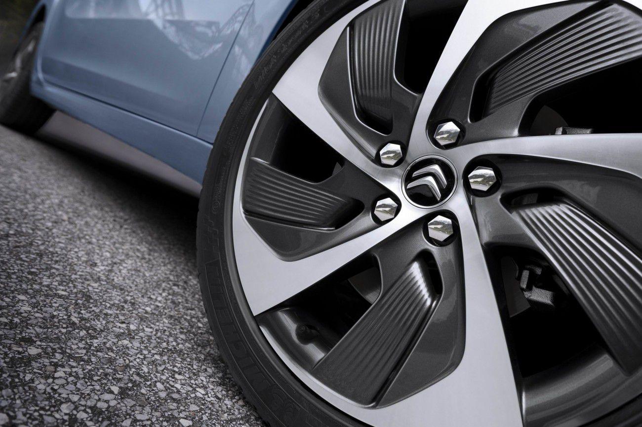Campaña cambio neumáticos - PUNTA TACÓN TV