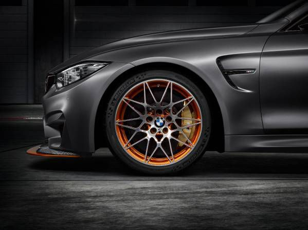 Frenos BMW Concept M4 GTS - PUNTA TACÓN TV
