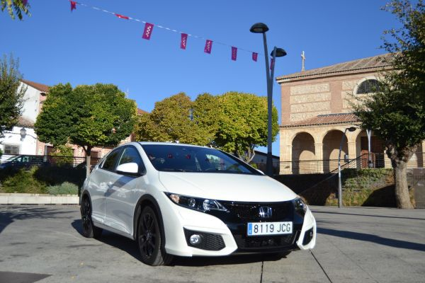 Imagen agresiva del nuevo Honda Civic Sport - PUNTA TACÓN TV