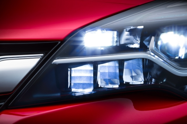 Sistema IntelliLux LED de Opel - PUNTA TACÓN TV