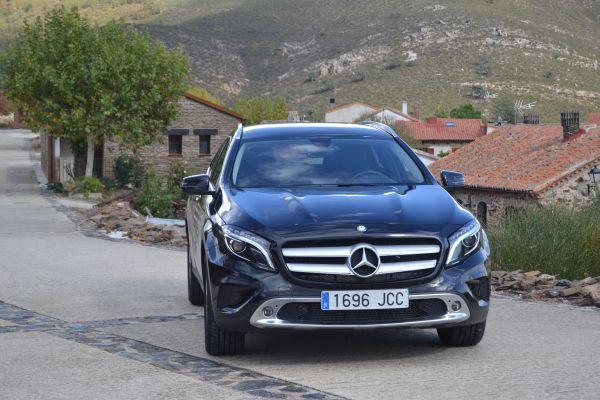 Mercedes-Benz GLA frente - PUNTA TACÓN TV