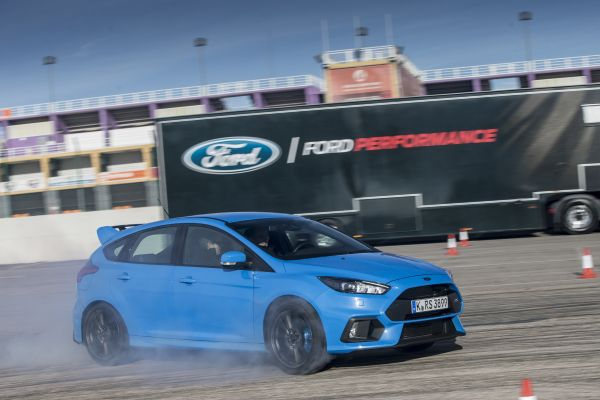 Ford Focus RS - PUNTA TACÓN TV
