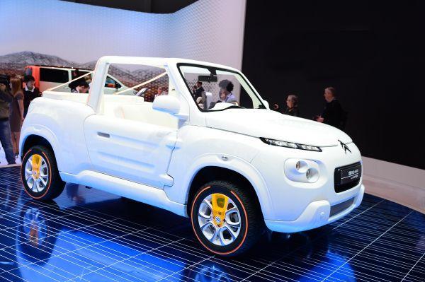 Citroën E-MEHARI styled by Courrèges - PUNTA TACÓN TV