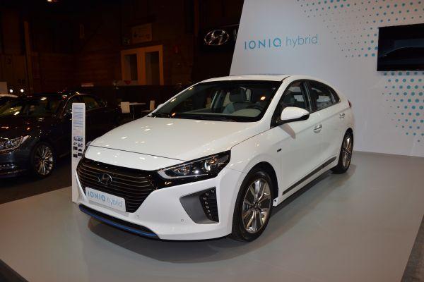 Hyundai IONIQ Hybrid - PUNTA TACÓN TV