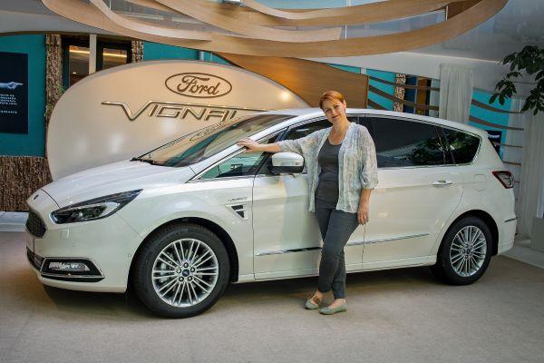 Ford S-MAX Vignale y Maria Gallay - PUNTA TACÓN TV