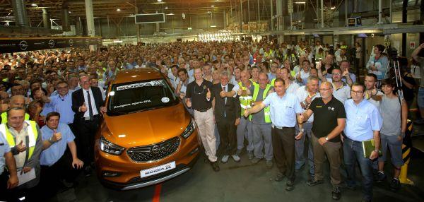 El primer Opel MOKKA X sale de la planta de Zaragoza - PUNTA TACÓN TV