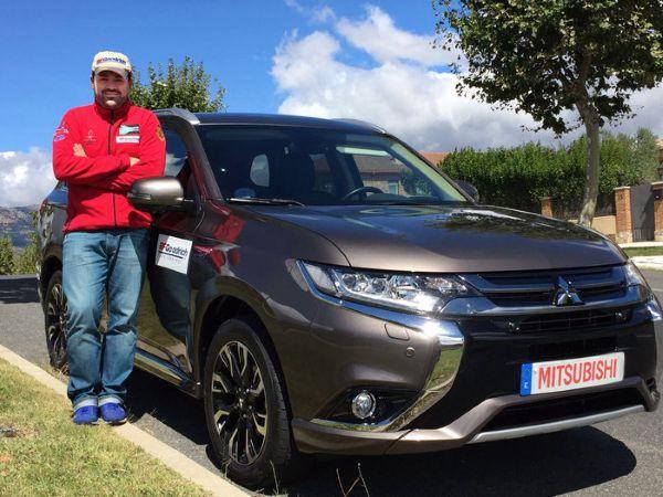 Rubén Gracia y el Mitsubishi Outlander PHEV - PUNTA TACÓN TV