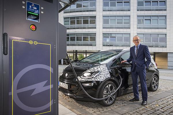 Opel Ampera-e - PUNTA TACÓN TV