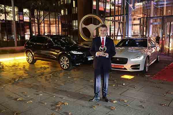 Volante de Oro para el Jaguar XF - PUNTA TACÓN TV