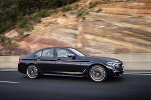 BMW M550i xDrive - PUNTA TACÓN TV