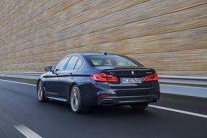 BMW M550i xDrive trasera - PUNTA TACÓN TV