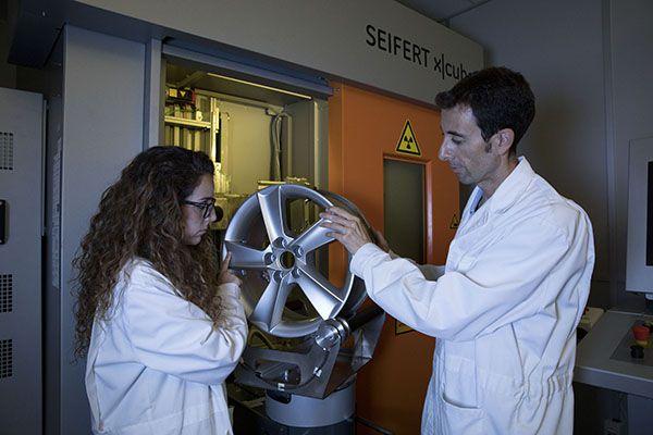 Pruebas de rayos X y tacs en el departamento de Calidad de SEAT`- PUNTA TACÓN TV
