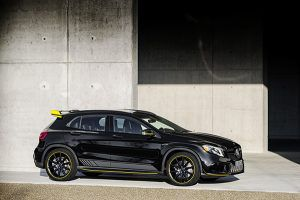Mercedes-Benz AMG GLA 45 4MATIC Yellow Night Edition - PUNTA TACÓN TV