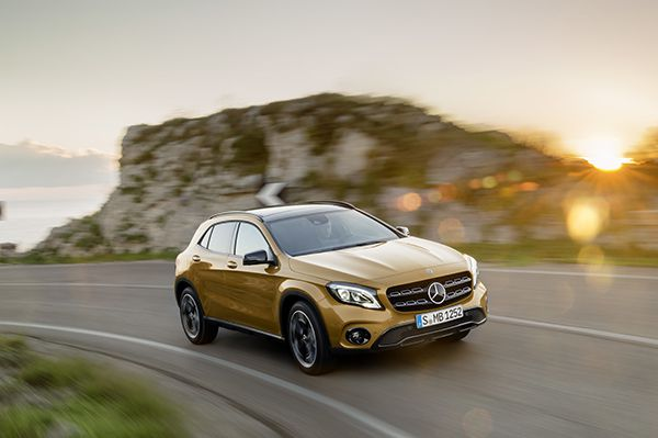 Nuevo Mercedes Benz GLA frente - PUNTA TACÓN TV