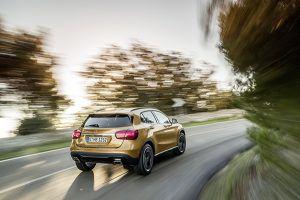 Nuevo Mercedes-Benz GLA trasera - PUNTA TACÓN TV
