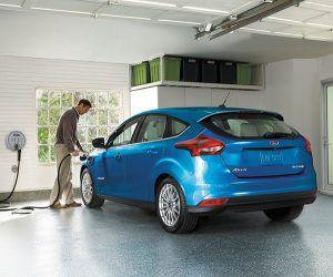 Ford Focus Electric - PUNTA TACÓN TV