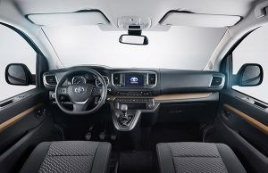 Interior Toyota PROACE VERSO - PUNTA TACÓN TV