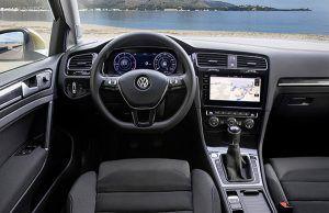 Interior nuevo Volkswagen Golf - PUNTA TACÓN TV