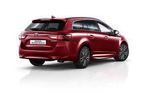 Nuevo Toyota Avensis Touring Sports trasera - PUNTA TACÓN TV