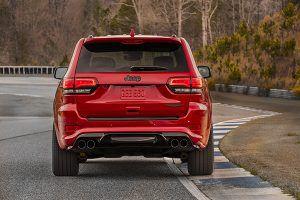Jeep Grand Cherokee Trackhawk trasera - PUNTA TACÓN TV