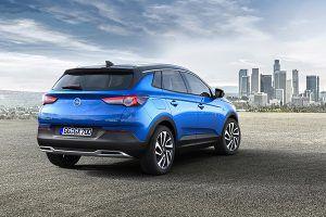 Nuevo Opel Grandland X trasera - PUNTA TACÓN TV
