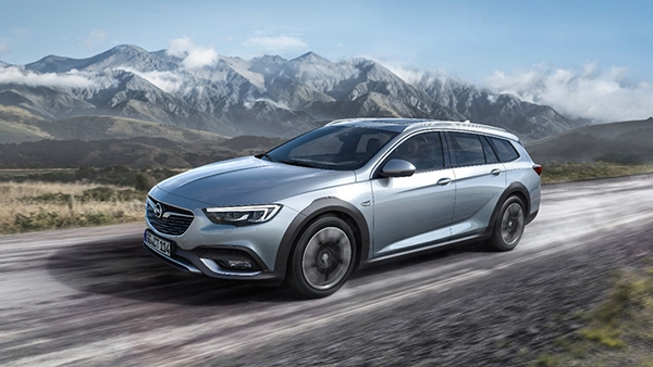 Opel Insignia Country Tourer - PUNTA TACÓN TV