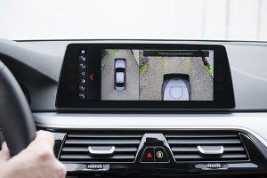 Detalles carga inalámbrica BMW - PUNTA TACÓN TV