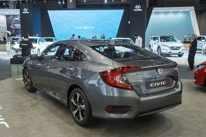 Nuevo Honda Civic Sedan trasera - PUNTA TACÓN TV