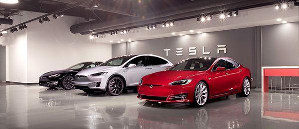 Tesla Pop-Up Store - PUNTA TACÓN TV