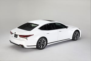 Lexus LS 500h F Sport trasera - PUNTA TACÓN TV