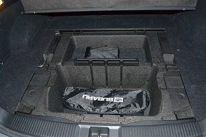 Compartimentos bajo piso maletero - PUNTA TACÓN TV