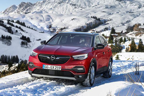 Opel Grandland X en nieve - PUNTA TACÓN TV