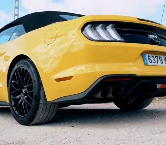 Ford Mustang - PUNTA TACON